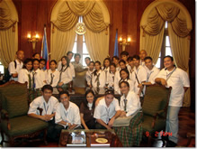 MCCID Students Tour Malacanang Palace (Emilie in Middle)